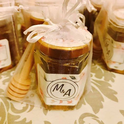 Personalized honey pots the prefect gift for a loved one